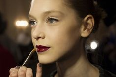 Want a bold, but not bright lip for your #wedding day look? Take a hint from Zac Posen & try a deep purple. Lovely!