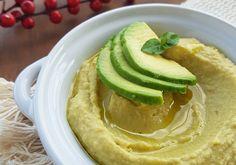 Hommus de abacate funcional para servir antes do jantar