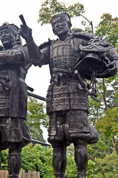 Statue of Naoe Kanetsugu which stands at Uesugi Shrine #Samurai
