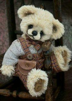 Écolier / His teddy.