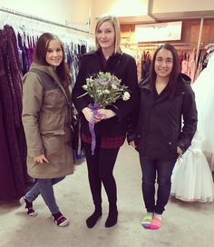 Erica said yes to her dream dress today at Ballett's London pictured with some of her bridesmaids! Consultant Genevieve had a great time working with these lovely ladies  #bride #bridetobe #ballettsbride #yestothedress #ldnont #ballettsbride #bridalshow #engaged #gettingmarried #wedding #tietheknot #futuremrs #tyingtheknot #isaidyes #bridesmaids #bridalparty