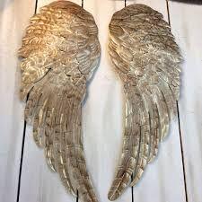 Resultado de imagen para gilded angel wings decor