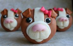 fondant bulldog cupcake, step by step instructions Cupcake Art, Cupcake Cookies, Cupcake Ideas, Cupcake Toppers, Fondant Cupcakes, Yummy Cupcakes, Fondant Icing, Frosting, Fondant Tutorial