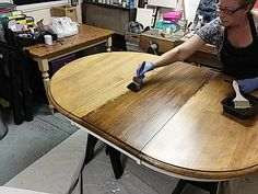 Using the softening brush through the gel stain to create a faux wood grain look. Gel Stain Furniture, Pine Furniture, Furniture Redo, Refinish Dining Tables, Refinished Table, Wood Staining Techniques, Crate Side Table, Stain On Pine, Diy Table Top