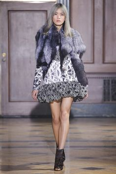 Sophie Theallet Fall 2016 Ready-to-Wear Fashion Show Fall Fashion 2016, Runway Fashion, High Fashion, Fashion Show, Autumn Fashion, Sophie Theallet, Esquivel, Bubble Skirt, Couture Dresses