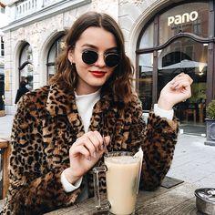 :coffee::coffee::coffee: #flatlay #flatlays #flatlayapp www.flat-lay.com