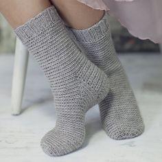 Crochet Socks, Knitting Socks, Knit Crochet, Knitting Club, Crochet Accessories, Beautiful Crochet, Sock Shoes, Leg Warmers, Slippers