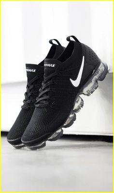 77fc50bf33ee Great Sneakers Deals  Sneakersnstuff Fresh Shoes