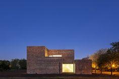 House with Bricks / Martín Aloras