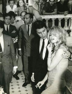 Brigitte Bardot com o então namorado Bob Zagury (Foto: Gamma-legends/getty Images)
