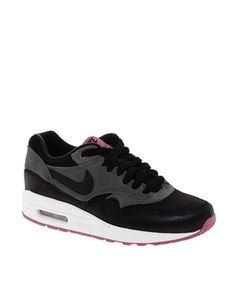 Nike Air Max 1 Essential Black Trainers