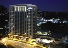 The Intercontinental Buckhead hotel in Atlanta amenities include the 31,000 square feet of event space, 25,000-square-foot garden, Spa Intercontinental & Fitness Center, Au Pied de Cochon, XO Bar, Lobby Lounge... and they are also pet friendly!