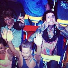Let's just take a minute to look at the guy beside Oli . cx