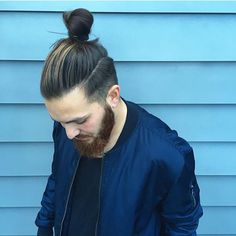 In the modern era, the samurai hairstyle has been transformed into top knot and man bun styles. Samurai hairstyles,Also known as Chonmage, Samurai hairstyles have been around for years. Older Mens Hairstyles, Man Bun Hairstyles, Haircuts For Men, Hairstyle Ideas, Hair And Beard Styles, Curly Hair Styles, Wavy Hair Men, Dark Hair With Highlights, Hair Knot