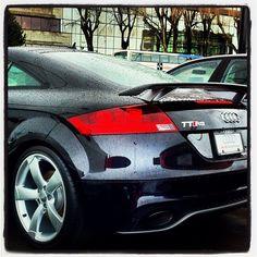 Espectacular Audi TT RS. El mantenimiento de tu Audi conservando la garantía del fabricante y al mejor precio en www.talleraudimadrid.es.En redes sociales:      Google+: http://plus.google.com/110020122893833464813     Facebook: http://www.facebook.com/talleraudimadrid     Twitter: http://www.twitter.com/TAudiMadrid     Youtube: http://www.youtube.com/channel/UC5W0BskYQ8vLeU2H8u-iXVQ