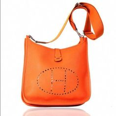 876d42c8b324 HERMES 32 Cm GM Evelyn Orange Togo Leather Bag HERMES EVELYN 2015  collection orange 32cm GM