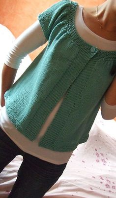 Lady Kina. Free knit sweater pattern!