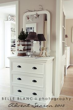 Belle Blanc: pretty white room, so calm and airy