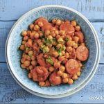 Villámgyors kolbászos csicseriborsópaprikás Dog Food Recipes, Beans, Vegetables, Dog Recipes, Vegetable Recipes, Beans Recipes, Veggies