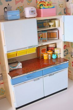 60s kitchen unit (moved over from where it really sits to try and catch some extra light!)  *sending a big thank you out to Ysé6 for tipping me off to one, so lovely of you to remember how much i had coveted this kitchen unit! THANK YOU!*   Leicht Boston Boston Kitchen