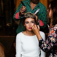 Descubre hoy en el blog las nuevas tendencias de maquillaje para novias según los mejores maquilladores! 💋 #EditorialesLaChampanera #LCHbeauty #maquillaje #makeup #novias #brides #tendencias #trends Foto: @lamarstudiofoto Mua: @lorenacarbajalmakeup Pelu: @peluqueriasuarez Tocado: @suma_cruz_oficial Ubicación: @palaciodemoutas Vestido: @rosa_clara