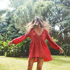Take a leap into new adventures and leave your phone behind. Rock this vintage-inspired, bohemian dress for free-spirited times ahead. Printed lon...