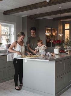 〚 Cozy Swedish cottages by Carina Olander 〛 ◾ Photos ◾Ideas◾ Design - Amela England Scandinavian Cottage, Swedish Cottage, Küchen Design, House Design, Hygge, Flat Ideas, Interior Stylist, Cottage Design, Ikea Kitchen