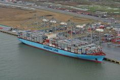 Pictures: The Largest Ship Ever On The Thames – Edith Maersk
