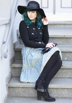 Fall Style, Fall Fashion, Autumn Outfit, Herbstlook, green hair, Fashion Blog, Midi Skirt, Retro Look, Blutsgeschwister