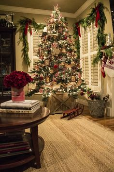 Red, silver and jute ribbon Christmas tree, live garland - the Stiers Aesthetic
