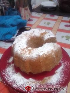 Το κέικ με κανέλα και μήλο ή όπως το λέω εγώ χιονισμένο κέικ είναι για αυτούς που λατρεύουν τα φρούτα μέσα στο κέικ όπως και το συνδυασμό κανέλας είμαι σίγουρη πως θα το λατρέψετε!!!!!!!!