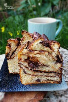 עוגת שמרים עם נוטלה ושוקולד צ'יפס - Chocolate Babka of Uri Sheft Cake Icing, Fondant Cakes, Culinary Arts, French Toast, Deserts, Breakfast, Blog, Morning Coffee, Postres