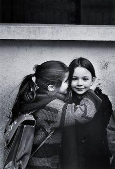 Friendship :) -Le Secret, Eglantine et Laurence photo by Jean-Philippe Charbonnier, Paris 1979 Friends Forever, Best Friends, Adorable Petite Fille, Jean Philippe, Belle Photo, Black And White Photography, Cute Kids, Make Me Smile, Vintage Photos
