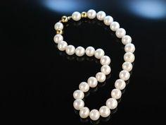 Big Pearl Necklace! Große edle klassische Süßwasser Zucht Perlen Kette, Steckschließe aus Gold 585 / 14 Karat, absolutes Basic Schmuckstück, feiner Perlen Schmuck bei Die Halsbandaffaire München