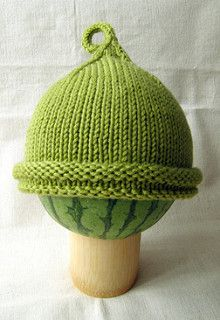 A perfect gift for a baby, this hat is quick to knit, uses only one ball of machine-washable yarn, and has minimal finishing. It also looks really cute on. Instructions for two different types of brim are included.