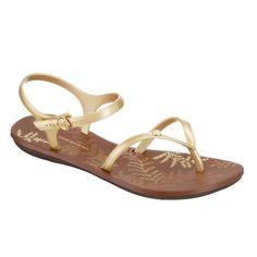 Goldige Sandalen von Ipanema - Bilder - Mädchen.de