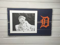 Detroit Tigers old english D picture frame holds photo, decor