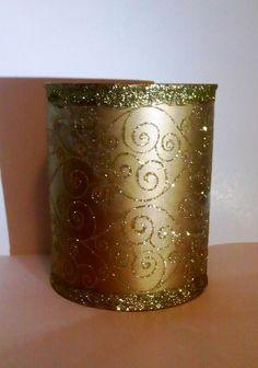 кутия - златист лак и мрежа от златисти орнаменти