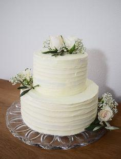 Limoncello, Cakepops, Wedding Cakes, Cupcakes, Romantic, Desserts, Food, Bavarian Cream, Wedding Gown Cakes