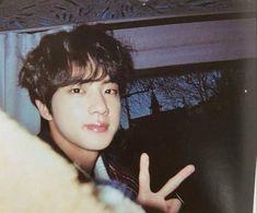 Seokjin, Hoseok, Foto Bts, Bts Photo, Kpop, Bts Polaroid, Adrien Y Marinette, Bts Aesthetic Pictures, Worldwide Handsome