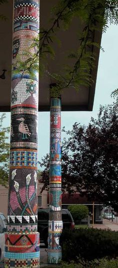 on the bird feeder column 17 Outdoor Mosaic Projects that Will Change Your Yard