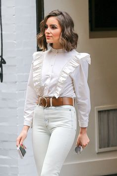 Olivia Culpo: Leaving the Marc Jacobs Store in SoHo March 27 2016 Olivia Culpo Style, Olivia Culpo Hair, White Outfits, Trendy Outfits, Summer Hairstyles For Medium Hair, Hijab Fashion, Fashion Outfits, Outfits Mujer, Office Fashion