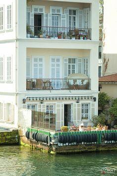 Home on the Bosphorus in Istanbul, Turkey   by euskadi 69