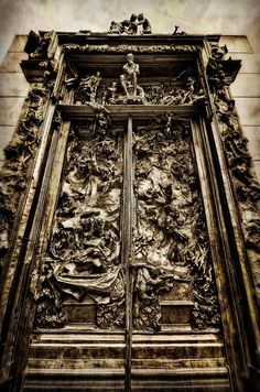 """Gates of Hell, depiction of Dante's """"Inferno"""" at Cantor Arts Center, Stanford University. Rodin"""