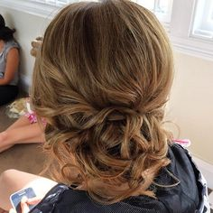 Unique updo hairstyle , high bun hairstyle ,prom hairstyles, wedding hairstyle ideas … Discover curly bun hairstyles for Women Curly Bun Hairstyles, Prom Hairstyles For Long Hair, Homecoming Hairstyles, Formal Hairstyles, Updo Curly, Short Hair Styles Easy, Medium Hair Styles, Curly Hair Styles, Curly Side Buns