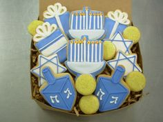I'm definitely making these this weekend for all of my favorit. I'm definitely making these this weekend for all of my favorit… Hanukkah Coo Feliz Hanukkah, Christmas Hanukkah, Happy Hanukkah, Hanukkah 2017, Hannukah Cookies, Holiday Cookies, Jewish Cookies, Sugar Cookie Royal Icing, Iced Sugar Cookies
