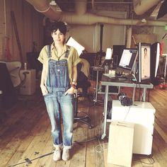 .@penny shima glanz Douglas People | Our digital tech assistant is looking way too cute in overalls today. #freepeople