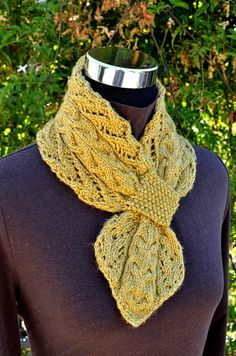 Lace and Cables Scarf (Keyhole/Ascot/Pull-Through/Vintage/Stay On) Scarf Knitting Pattern - Lace Scarf Knit Cowl, Knitted Shawls, Crochet Scarves, Bonnet Crochet, Knit Crochet, Knitting Patterns, Crochet Patterns, Lace Scarf, Knitting Accessories