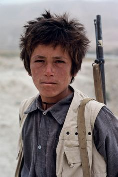 Steve McCurry, Young fighter, Kabul, Afghanistan, 1989