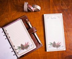 It's beginning to look a lot like Christmas...Hacking a to do list pad to fit inside my Malden Filofax.